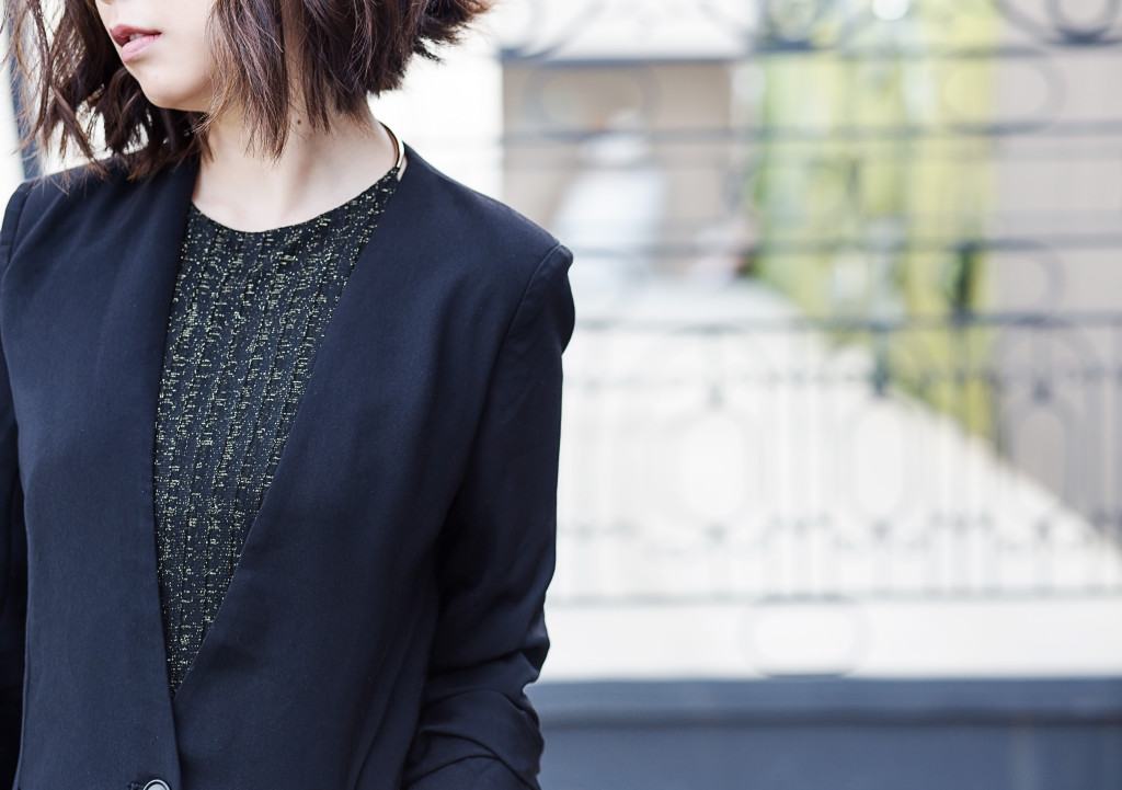 herein-wu-black blazer gold top