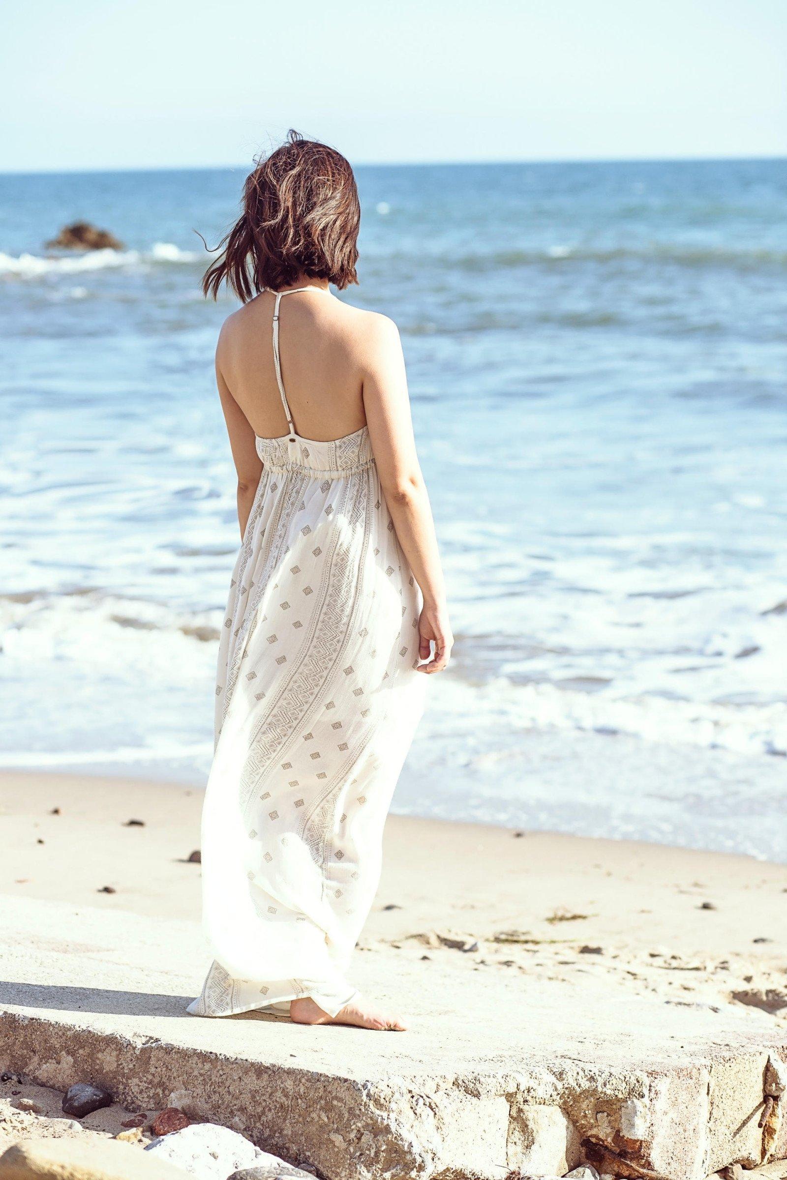 beach-dresses-back-serein-wu