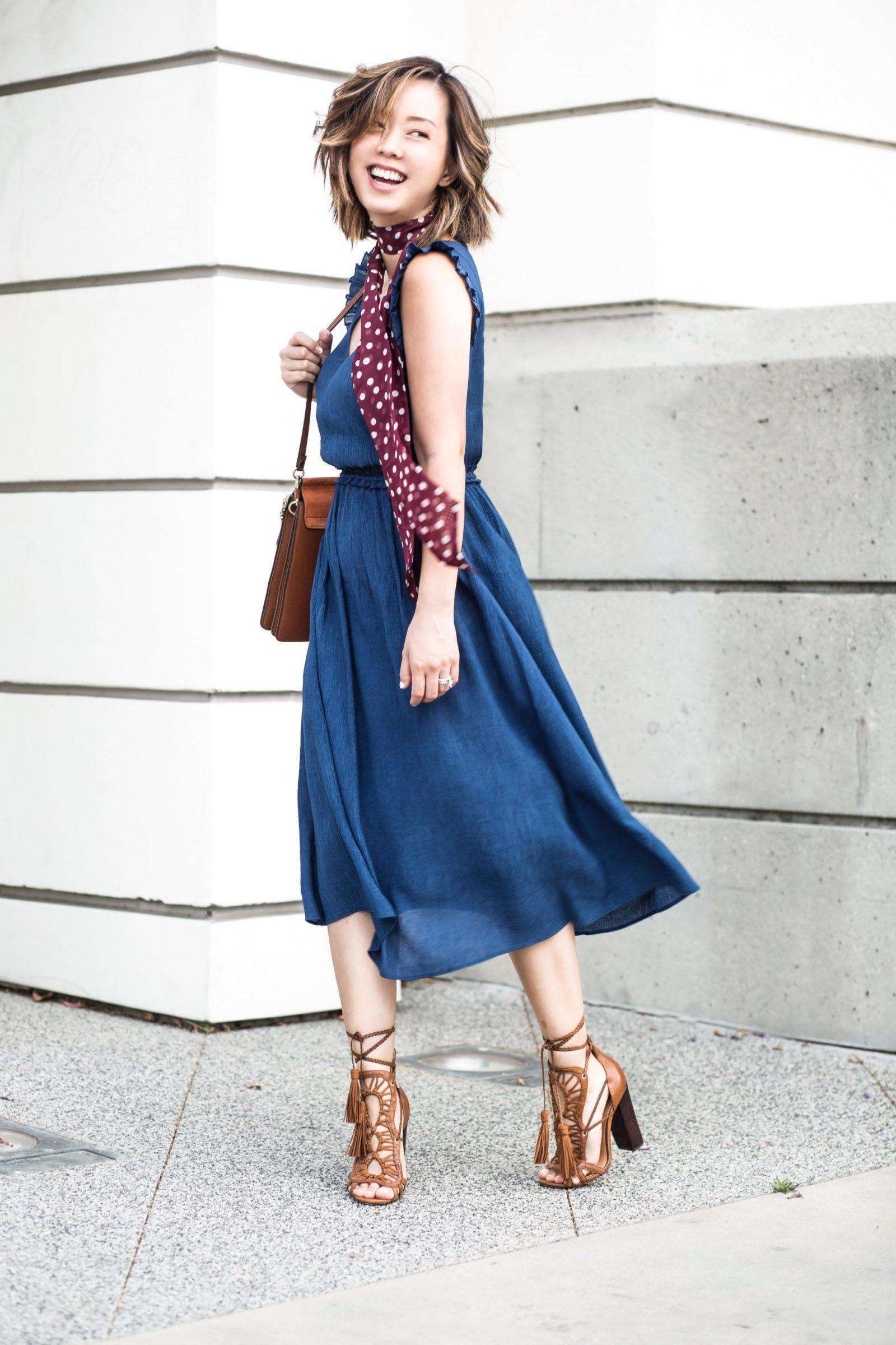 Bloglovin HM Awards 2016 Serein Wu blue dress neck scarf