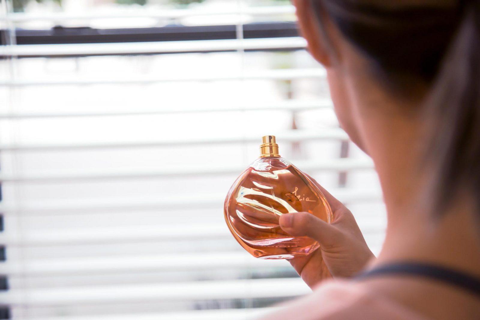 Sisley Paris IZIA Fragrance