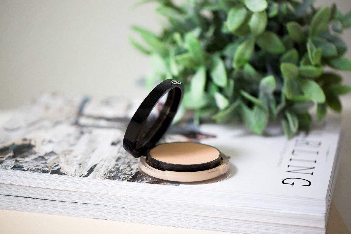 Makeup Bag Monday 40 Armani Luminous Silk Powder Foundation