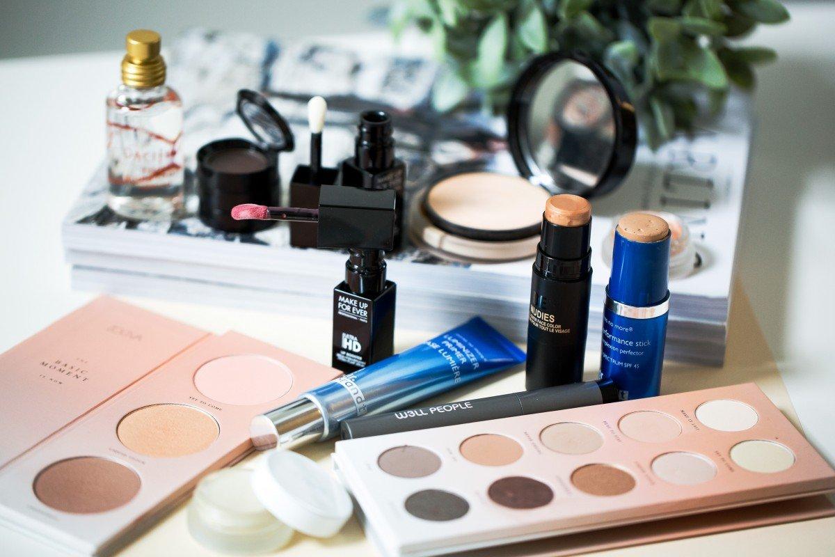 Makeup Bag Monday 40