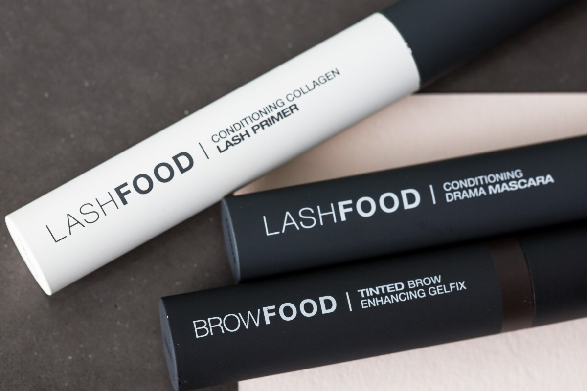 Lashfood makeup bag monday 38
